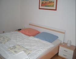 Schlafzimmer 2: Das Zweite Schlafzimmer Mit Einer Größe Von 13,89 M²  Verfügt Ebenfalls über Ein Großes Doppelbett, Zwei Nachttische Incl.  Radiowecker